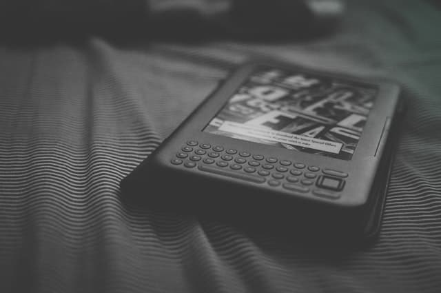 black and white kindle